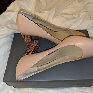 Ann Taylor - SZ 7.5 - Rosebud Blush heels
